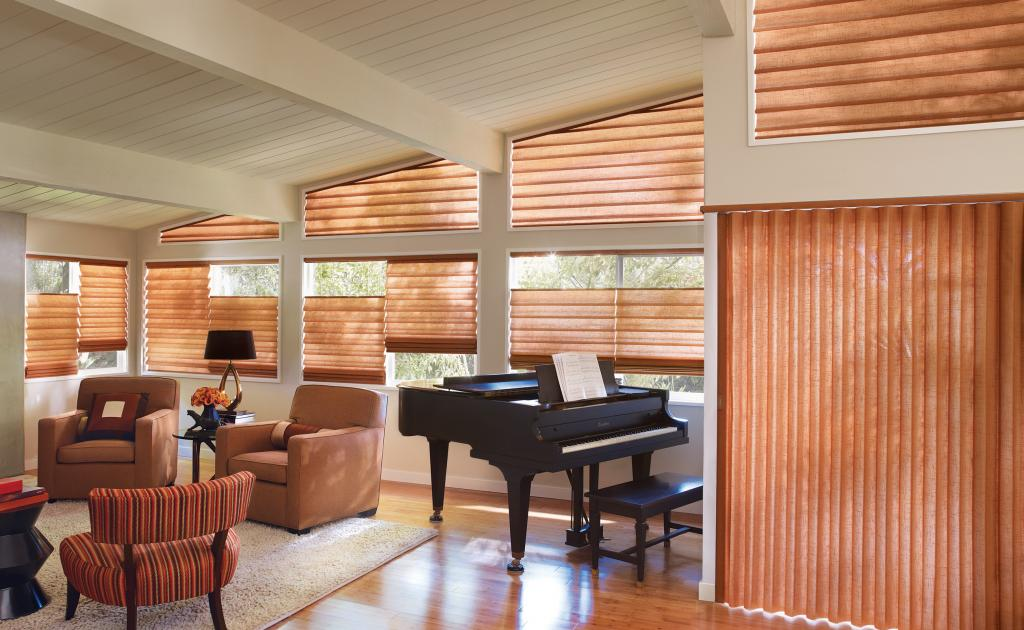 HUNTER_DOUGLAS_SEASON_OF_STYLE_2014_2.jpg
